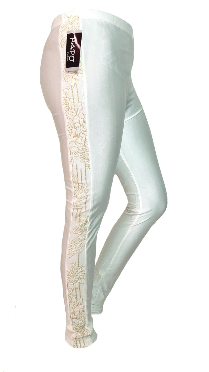 Embossed legging